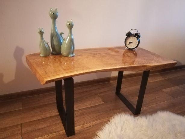 Stół, stolik drewniany dębowy, zalany żywicą, czarne nogi