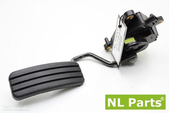 Pedal acelerador Renault Clio 3 8200297343