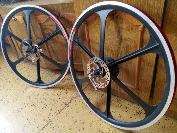 Велозапчасти. Колеса на литых дисках