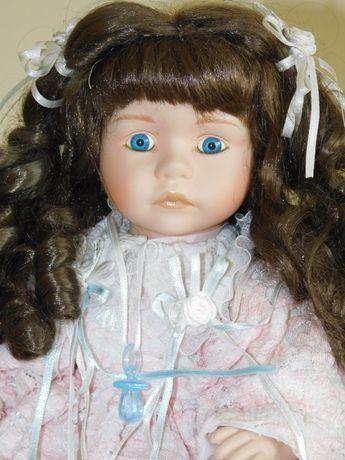 Porcelanowa lalka kolekcjonerska Amanda