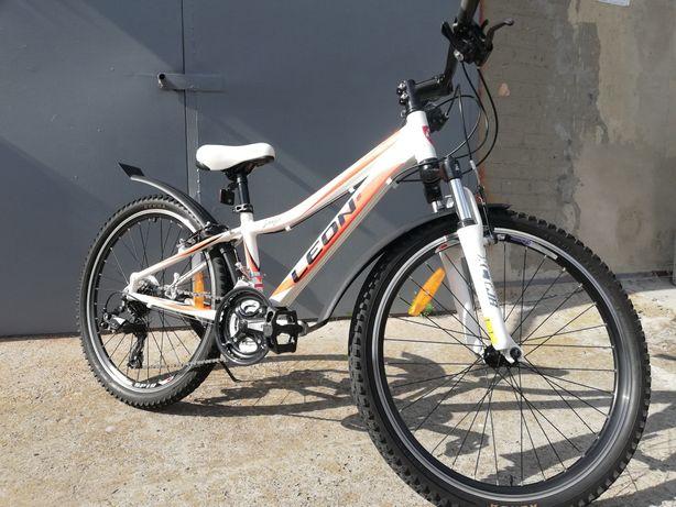 Велосипед ЛЕОН, как новый, 24е колёса, рама алюминий