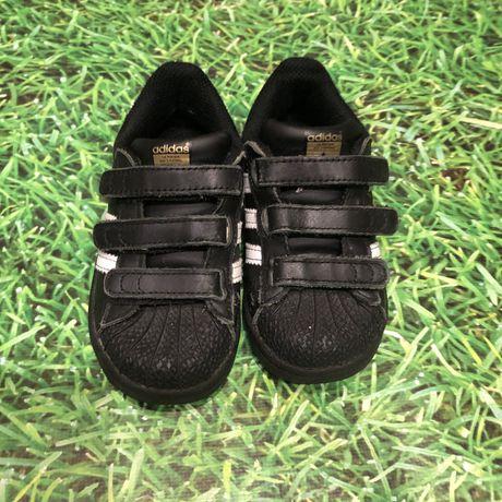 Кросівочки Adidas(Original)24р.шкіряні з резиновим носочком!