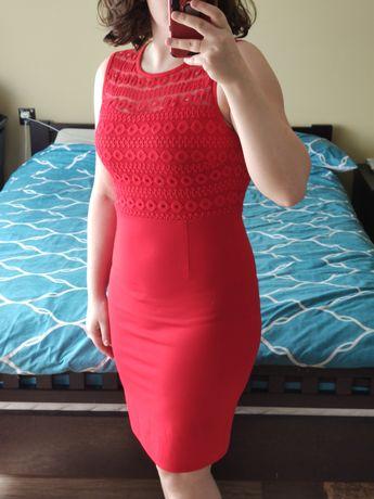 Sukienka ołówkowa z koronką
