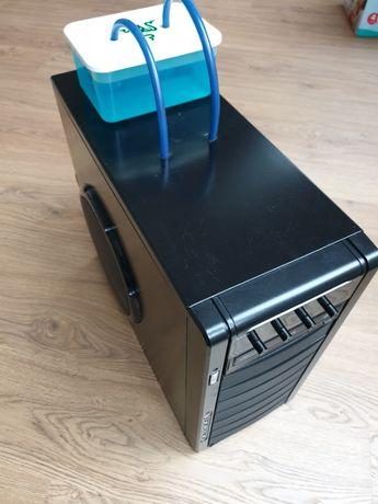 Komputer z chłodzeniem wodnym