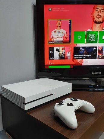 Konsola Xbox One S 500GB + pad + gry