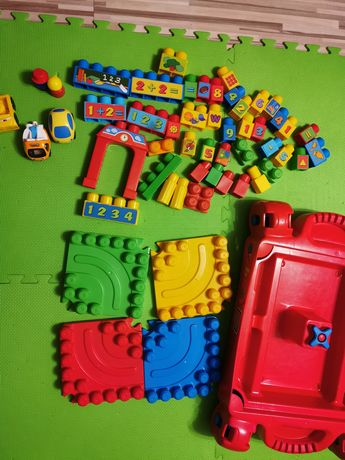 Mega Bloks abc stoliczek, tor, auta