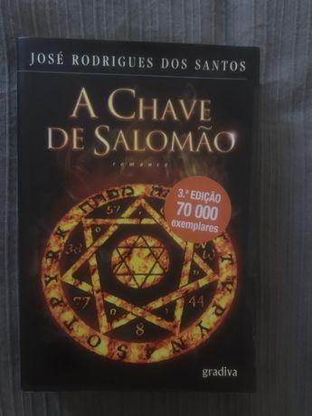 """Livro """"A chave de Salomão"""""""