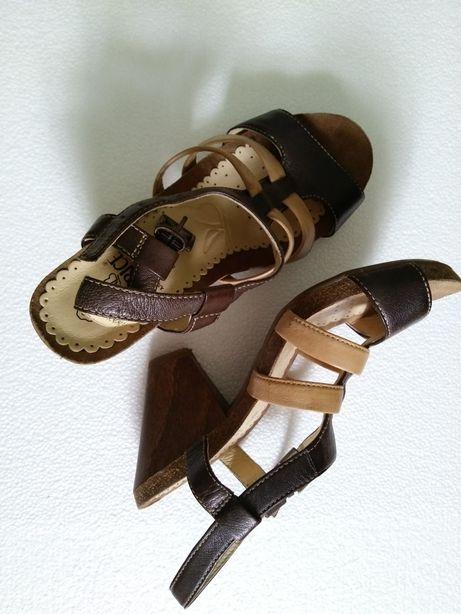 Nowe piękne sandałki Caprice skóra naturalna rozm. 35,5 obcas