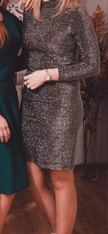 Sukienka  ciemnego koloru