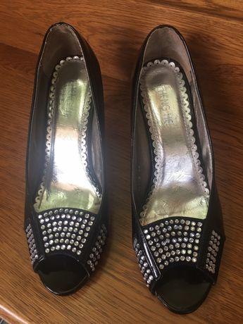 Лакові туфлі 38р