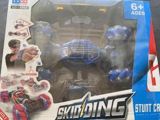 Машинка перевертышь Skidding