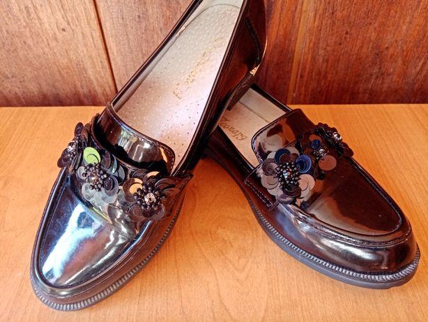Туфлі дитячі для дівчини