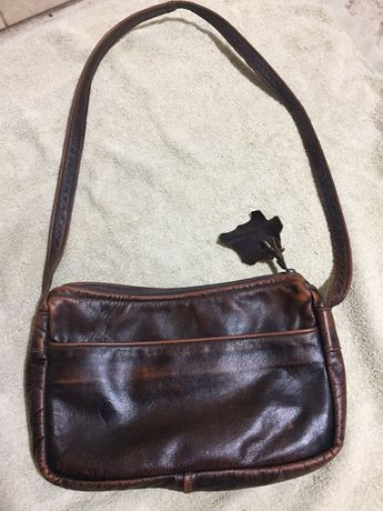 Жіноча шкіряна сумочка.