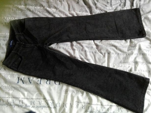 Spodnie czarne r. 34-36