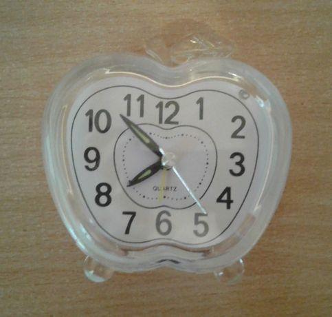Настольные часы-будильник в виде яблока с подсветкой