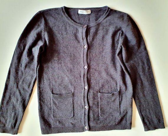 Ażurowy sweterek na guziki Reserved 122