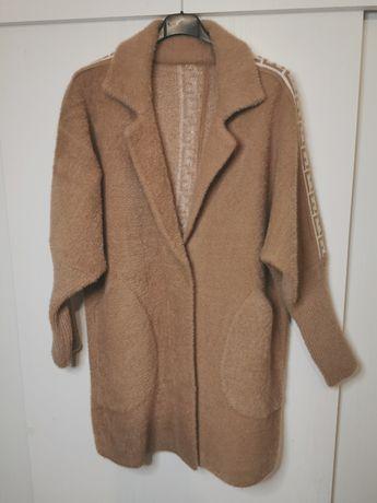 Płaszcz z alpaki.