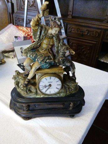 Relógio antigo decorativo