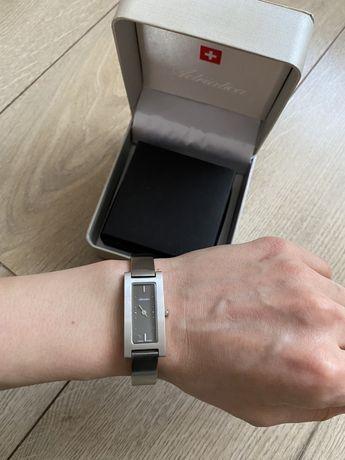 Zegarek damski Adriatica srebrny