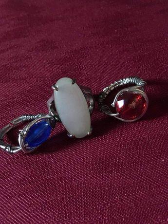Brincos e aneis feitos á mao