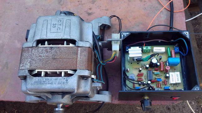 Двигатель с платой регулировки и поддержания мощности