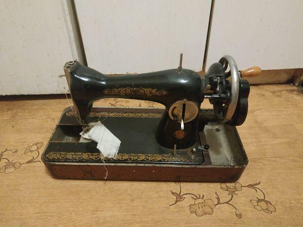 Продам швейную машинку ПМЗ1952
