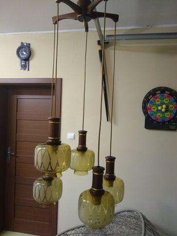 Lampa wykonana z drewna