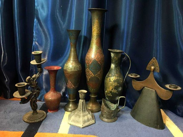 Латунные подсвечники и вазы