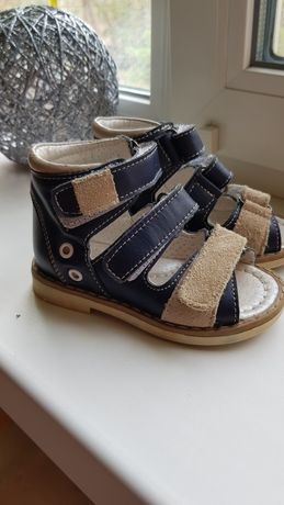 Ортопедические кожаные сандали 21р. С каблуком томаса