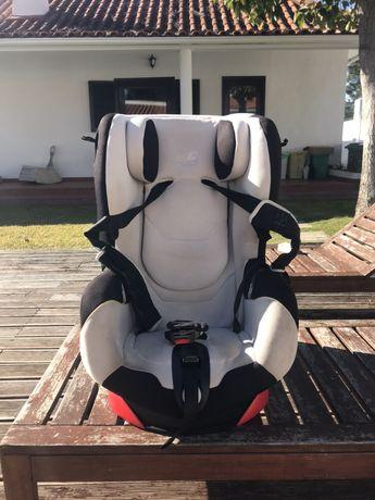 Várias Cadeiras auto para bebés Bebé-Confort um