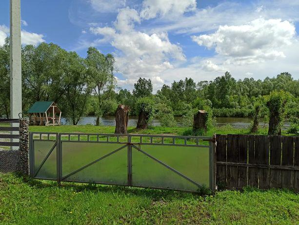 Продам ділянку з будівлями біля річки Сейм
