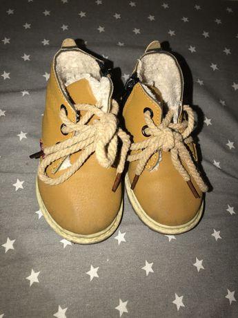 Ботинки размер 22