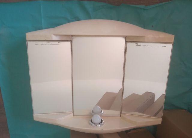 Lustro łazienkowe z tworzywa z półką i oświetleniem