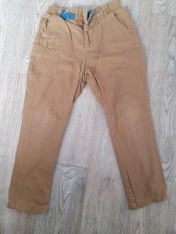 Długie spodnie chłopięce