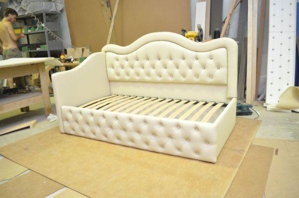 Высококачественная перетяжка мебели , изготов , каретная стяжка, р