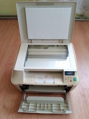 Продам  МФУ принтер Xerox PE 114e.