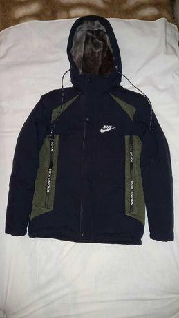 Тёплая ,зимняя куртка на подростка (12-15лет)(Размер_44)