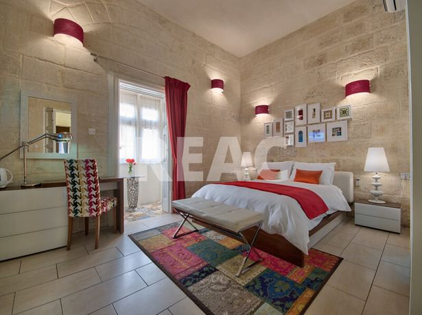 Luxury 5* historical Guesthouse in Malta