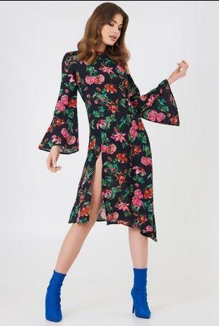 Платье цветочное NA-KD