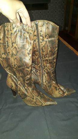 Botas tigresse/pele de cobra camurça, tamanho 38