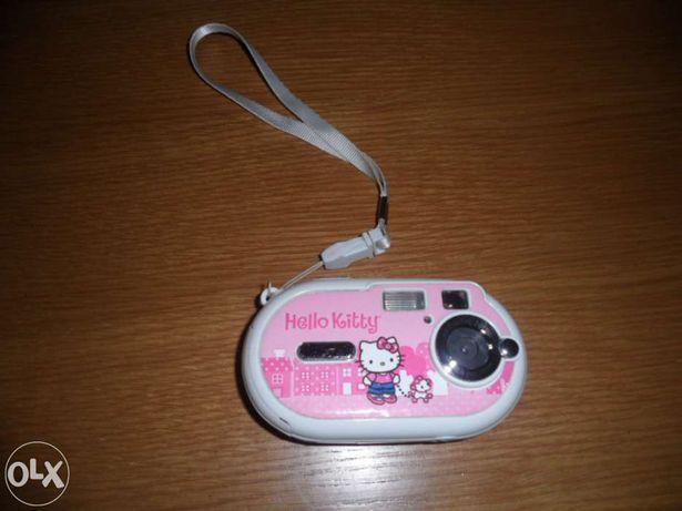 Vende-se Máquina Fotográfica da Hello Kitty a bom preço
