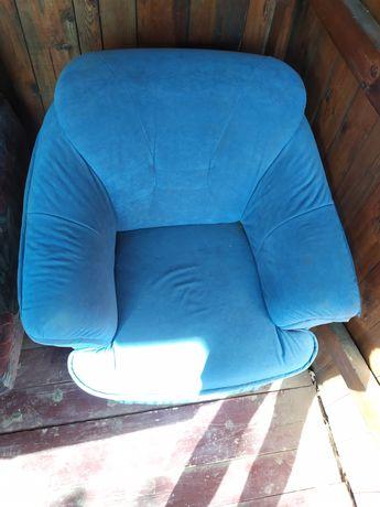 Продам кресло голубого цвета