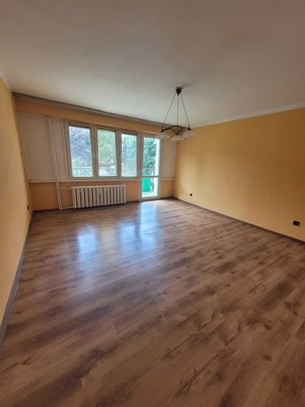 Sprzedam Mieszkanie o łącznej powierzchni 68 m2 3 oddzielne pokoje