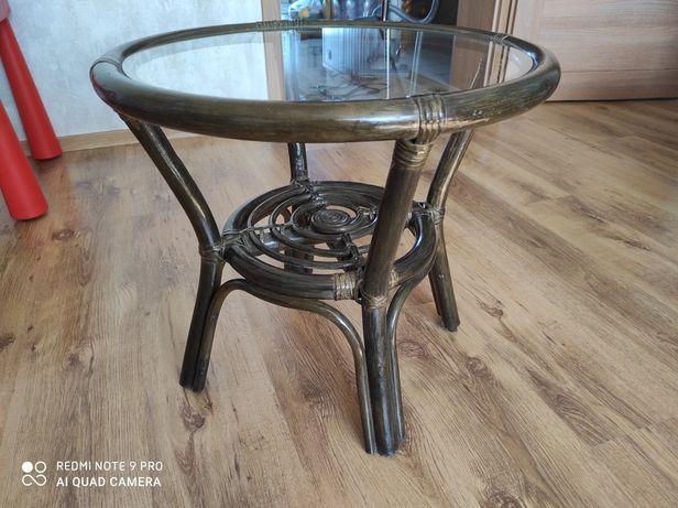 Stolik drewniany pleciony ze szklanym blatem