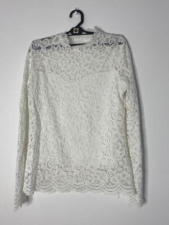 Koronkowa biała bluzka