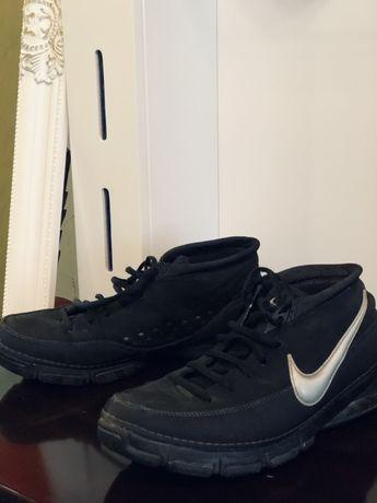 Продам мужские оригинальные кроссовки nike zoom