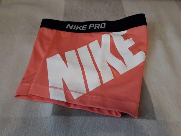 Фитнес шорты Nike