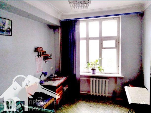 Четырехкомнатная квартира сталинка по Сталеваров