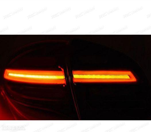 CONJUNTO DE FAROLINS PORSCHE CAYENNE 10-15 LED / BARINDICADORES DINÂMICOSVERMELHO / PRETO / CLA