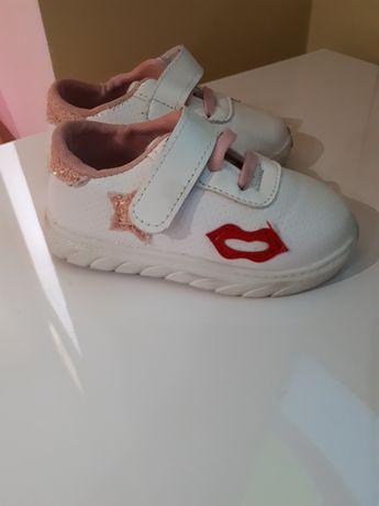 Детская обувь Мокасины,кроссовки  на девочку 22